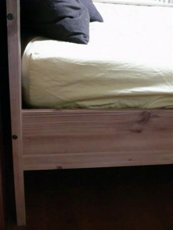 ベッド下空間