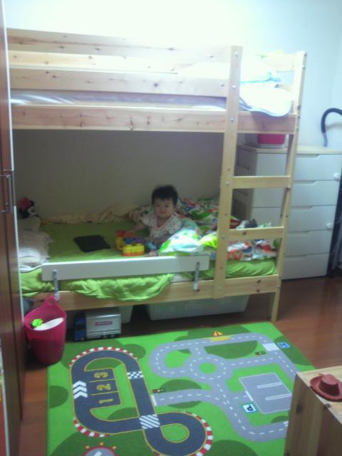 子供部屋のラグ